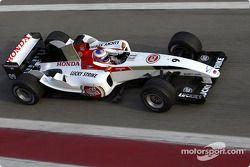 Jenson Button test ediyoryeni BAR 006