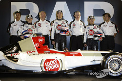 Ken Hashimoto, Anthony Davidson, David Richards, Jenson Button, Geoff Willis, Takuma Sato ve Takeo K