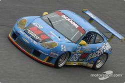 La Porsche GT3 RS n°68 de l'équipe The Racers Group (Ian James, RJ Valentine, Chris Gleason, Abraham Zimroth, Bohdan Kroczek)