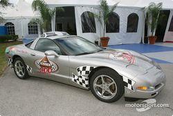 Le Pace Car pour la course de Busch Series, le Hershey's Kisses 300