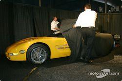 Le Pace Car du Daytona 500 2004 est dévoilé