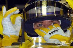 Nick Heidfeld logoals to his mechanics