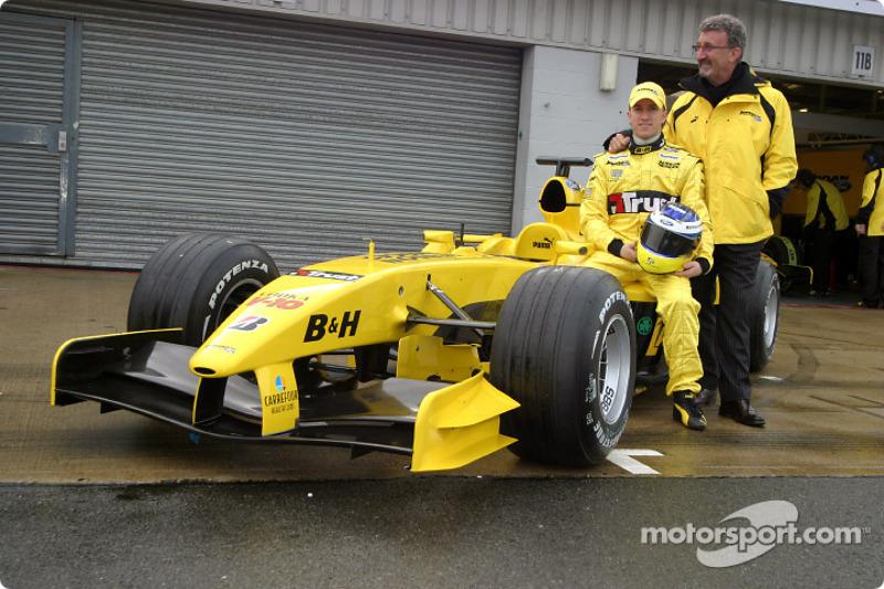 Eddie Jordan et Nick Heidfeld avec la nouvelle Jordan EJ14