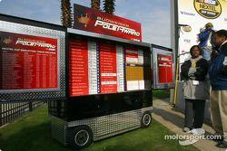 Le nouveau panneau d'affichage des vainqueurs de la pole position