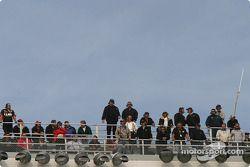 Les spotters, sur le toit de la tour