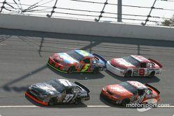 Kurt Busch, Tony Stewart, Terry Labonte et Dale Earnhardt Jr.