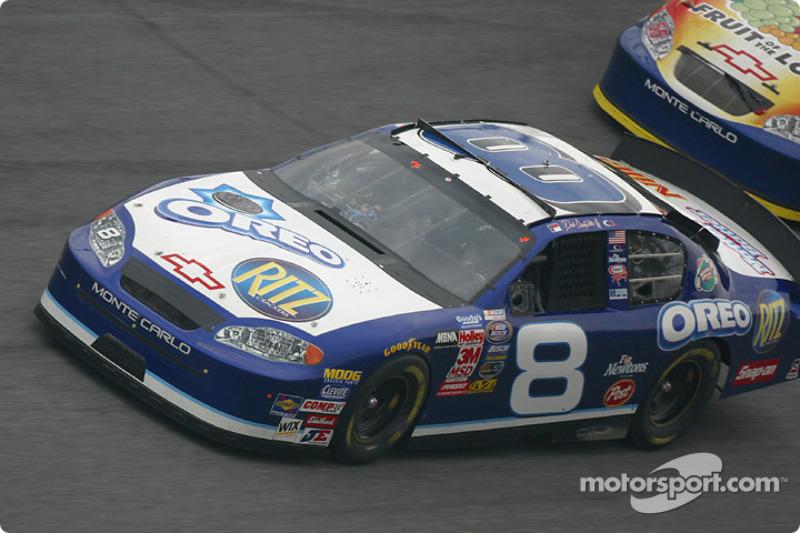 Em 2002, justamente um ano após perder seu pai, Dale Junior reencontrou a vitória em Daytona, levando a melhor na prova da Xfinity Series.