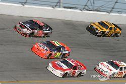 Kevin Harvick, Jeff Gordon et Dale Earnhardt Jr.