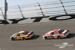 Greg Biffle et Dale Earnhardt Jr.