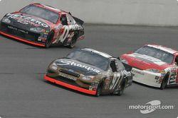 Ward Burton, Kurt Busch et Dale Earnhardt Jr.