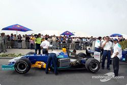 L'équipe Sauber se prépare pour le run de démonstration