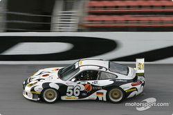 La Porsche GT3 RS n°56 du Seikel Motor Sport (Tony Burgess, Philip Collin, P van Merksteijn, Gabrio