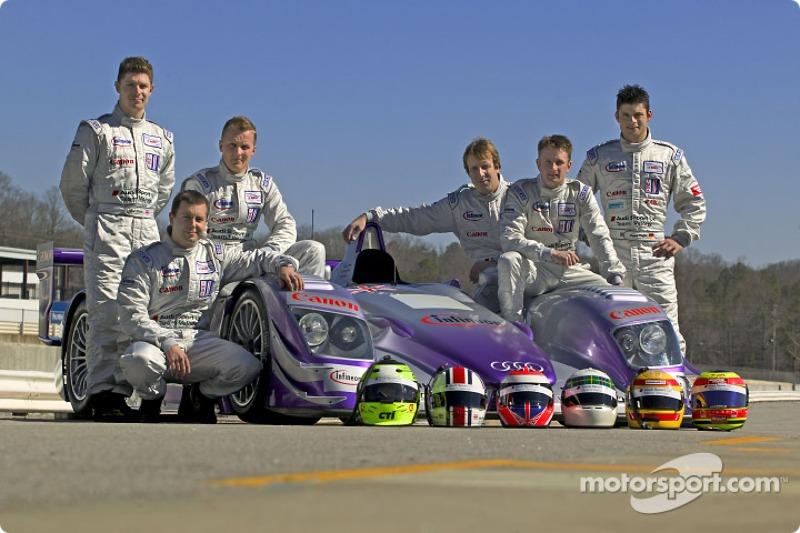 Les pilotes Audi Sport UK Team Veloqx : Guy Smith, Jamie Davies, Johnny Herbert, Frank Biela, Allan McNish et Pierre Kaffer