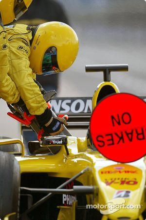 Essais d'arrêts aux stands pour Giorgio Pantano et le Team Jordan