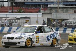 La BMW 330i n°97 du Turner Motorsport (James Sofronas, Steve Pfeffer)