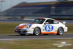 La Porsche 996 n°63 du North Shore Racing (Henry Gilbert, John Sturm)