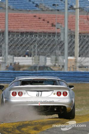 La Lotus Esprit n°07 du Rapier Racing (Zack Zarcadoolas, Charles Rayhall) sort large