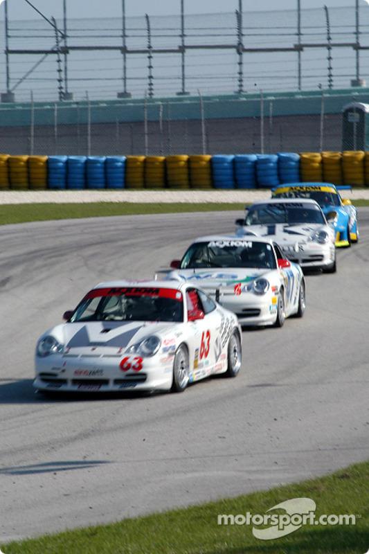 La Porsche GT3 Cup n°63 du Glenn Yee Motorsports (Hugh Plumb,  Geoff Escalette)
