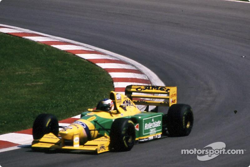 En cuanto a vueltas rápidas, Michael Schumacher y Kimi Raikkonen tienen igualada la marca de lograr la vuelta más rápida en 4 ocasiones cada uno.