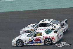 La Corvette n°46 du Michael Baughman Racing (Gary St. Amour, Mike Yeakle) et la Porsche GT3 Cup n°91 du Doncaster Racing (Jean-François Dumoulin, Robert Julien)