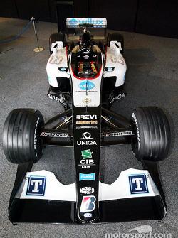 yeni Minardi PS04B