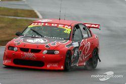 Michael Caruso, un des Holden Young Lions, s'habitue aux conditions pluvieuses