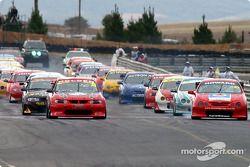 Le départ de la course n°2, avec une grille inversée