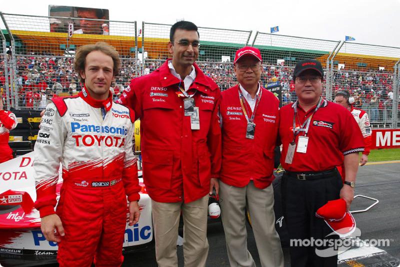 Cristiano da Matta con Ajay Malhotra, GM Intel Corp., Yoshio Ishizaka, VP Toyota Motor Corp