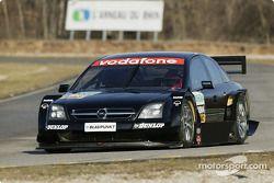 Volker Strycek essaie l'Opel Vectra GTS V8 DTM