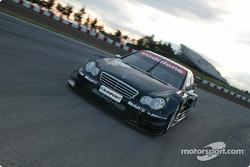 Der neue AMG-Mercedes CLK DTM 2004