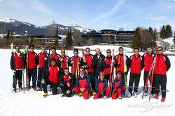 Le Team Audi durant la semaine fitness devant l'hôtel Sonnenalp