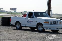 Un pick-up de sécurité du Firebird International Raceway