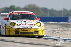 La Porsche 911 GT3RSR n°23 du Alex Job Racing (Sascha Maassen, Jorg Bergmeister, Timo Bernhard)