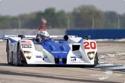 La Lola EX257/AER n°20 du Dyson Racing Team (Christopher Dyson, Jan Lammers, Didier De Radigues)