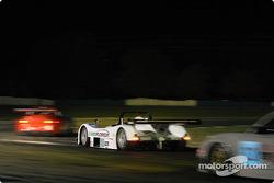 La Lola B2K/40 Nissan n°10 du American Spirit Racing (John Macaluso, Ian James, Mike Borkowski)