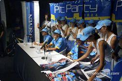 Mild Seven pit party, Zouk Nightclub Kuala Lumpur: Jarno Trulli, Fernando Alonso ve Franck Montagny