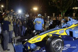Mild Seven pit party at the Zouk Nightclub in Kuala Lumpur: Fernando Alonso, Franck Montagny and Jar