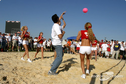 Match de volley Hawaiian Tropic : gestes spectaculaires