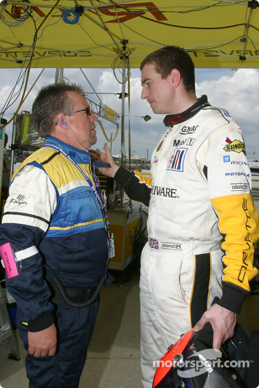 Oliver Gavin dans le stand Corvette Racing