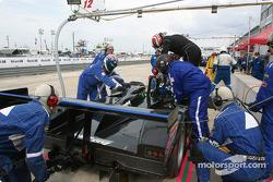 Arrêt aux stands et changement de pilote pour la Riley & Scott MKIII C Elan n°12 d'Autocon Motorspor
