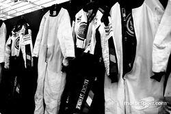 BAR suits
