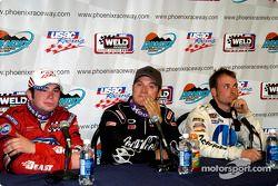 Bobby East (3e), J.J. Yeley (vainqueur) et Dave Steele (2e)