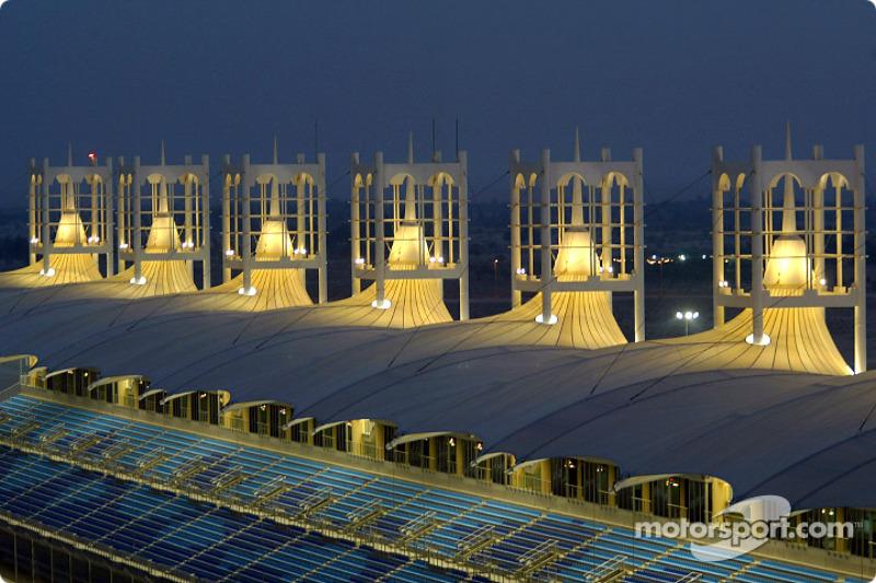 Circuito internacional de Bahrein por la noche