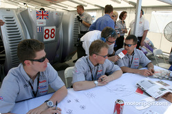 Guy Smith, Johnny Herbert et Jamie Davies