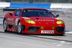 La Ferrari 360 Modena n°35 de Risi Competizione (Anthony Lazzaro, Ralf Kelleners, Matteo Bobbi)