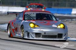 La Porsche 911 GT3RS n°45 du Flying Lizard Motorsports (Johannes van Overbeek, Darren Law, Jon Fogar