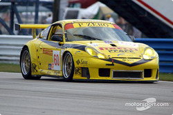 La Porsche 911 GT3RS n°60 de P.K. Sport (Robin Liddell, Peter Boss, Hugh Plumb)