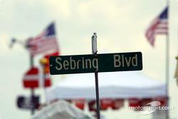 Le paddock de Sebring