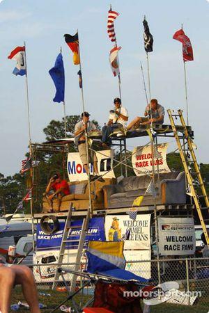 Sebring fans