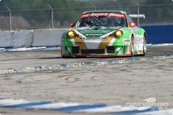 La Porsche 911 GT3RSR n°67 de The Racer's Group (Pierre Ehret, Jim Matthews, Marc Bunting)